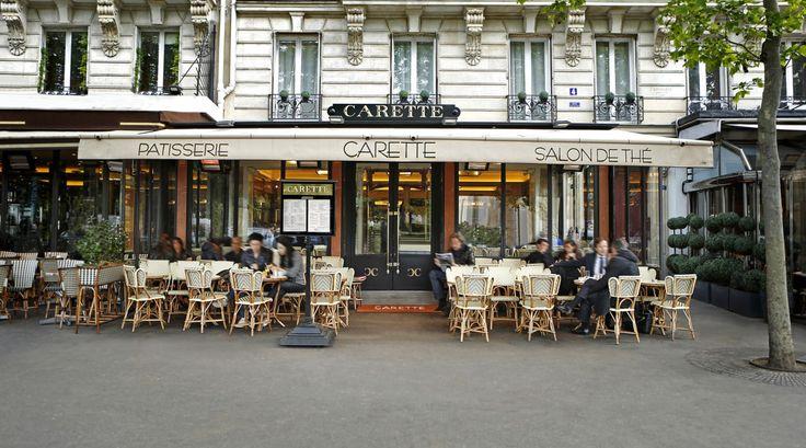 Les clients de longue date vous le diront : on ne va pas chez Carette comme cela, en passant. On y va parce qu'on aime y retrouver une des plus jolie pâtisseries de Paris