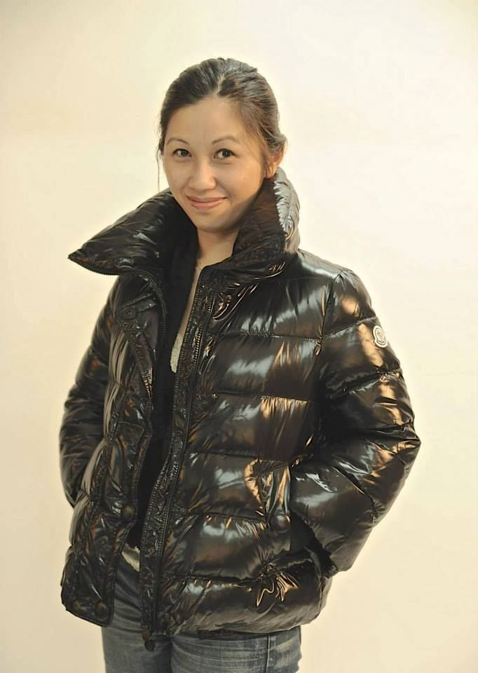 bb1eeb29e1166c Videos and images of sexy girls wearing puffy and shiny down jackets and  coats. | Down jacket 2 | Jackets, Coat, Puffy jacket
