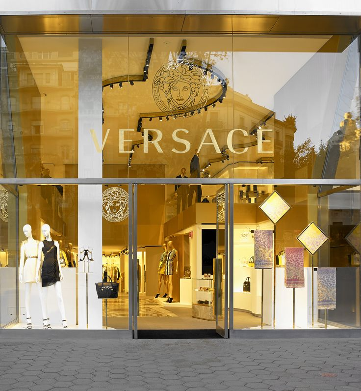 45 best images about versace boutiques on pinterest - Magasin design barcelone ...