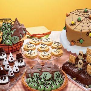 Halloween party treats: Halloween Desserts, Halloween Parties, Halloween Birthday, Birthday Parties, Halloween Baking, Baking Shops, Halloween Fal, Halloween Treats, Halloween Cakes