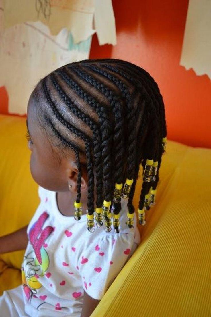 Idées de coiffure pour petite fille : Tresses afro perlées