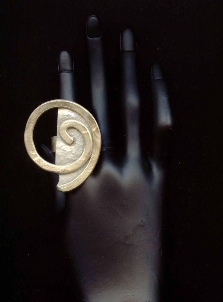www.gallerysanivia.com  Pierścień mosiężna biżuteria