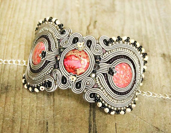 Grey soutache bracelet Embroidered jewelry Grey cuff Pink cuff Soutache bracelet Boho bracelet Beaded cuff Grey and pink Grey jewelry
