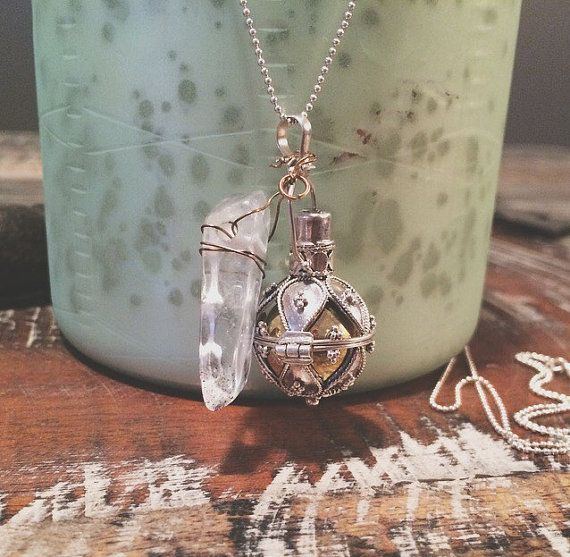 Beautiful Sterling Silver Pregnancy Chime/Harmony Ball/Pendant on Long Ball Chain with Quartz Pendent