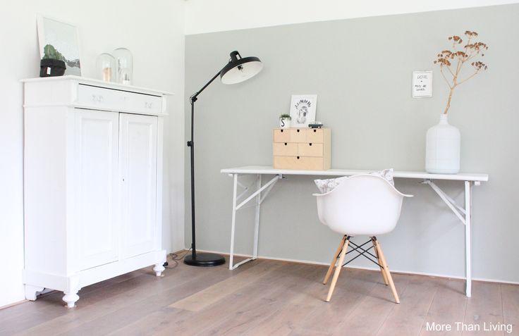 17 beste idee n over groene verfkleuren op pinterest groen geschilderde kamers groen - Hoe kleed je een witte muur ...