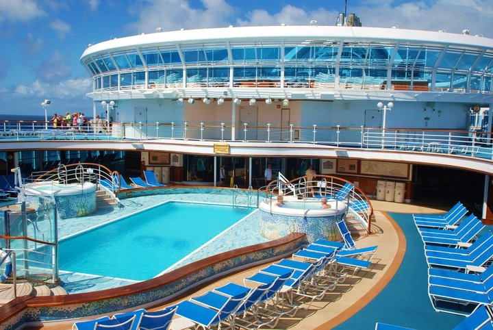 Swimming Pool On Princess Cruise Ship Emerald Princess Our Holiday Plans 2014 Pinterest