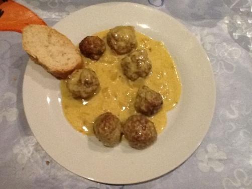 Una deliciosa receta deAlbóndigas on Salsa Al Currypara #Mycookhttp://www.mycook.es/receta/albondigas-on-salsa-al-curry/