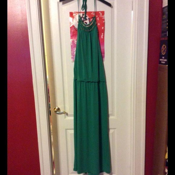 Nordstroms Green & Gold Maxi Dress! Nordstroms Green & Gold Maxi Dress! Never Worn. Back Is Low Cut. Very Beautiful. Size L Bought From Nordstroms NWOT Nordstroms  Dresses Maxi