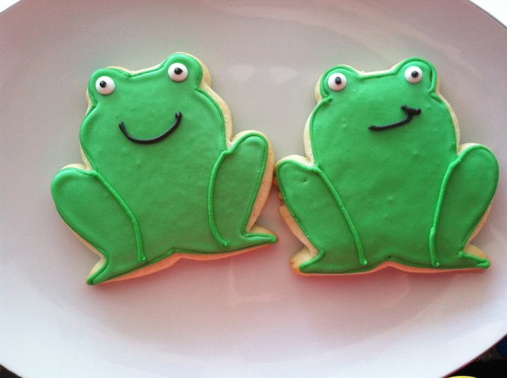 how to decorate cookies with buttercream - Google Search via #TheCookieCutterCoompany