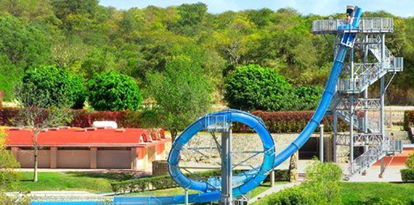 De spannendste waterglijbanen ter wereld - De Standaard: http://www.standaard.be/cnt/dmf20140521_045