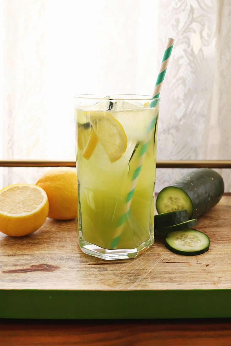 Refreshing Summer Cocktail Drink Recipe - Cucumber Lemonade with Gin
