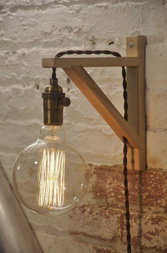 Wandleuchte aus Holz – Plug In Wandleuchte – Wandleuchte – antike Messinglampe – rustikale Beleuchtung – Bauernhaus Dekor – hängende Lichter