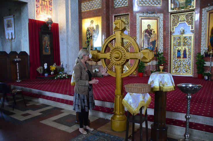 Magnific! Se întâmplă o dată la un secol sau nicicând! Patru suverani ai României au stat la temelia bisericii pe a cărei cupolă bizantină a fost înă