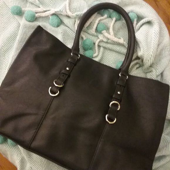 NWOT Zara bag Never used // Zara bag with extra strap // faux leather Zara Bags Totes