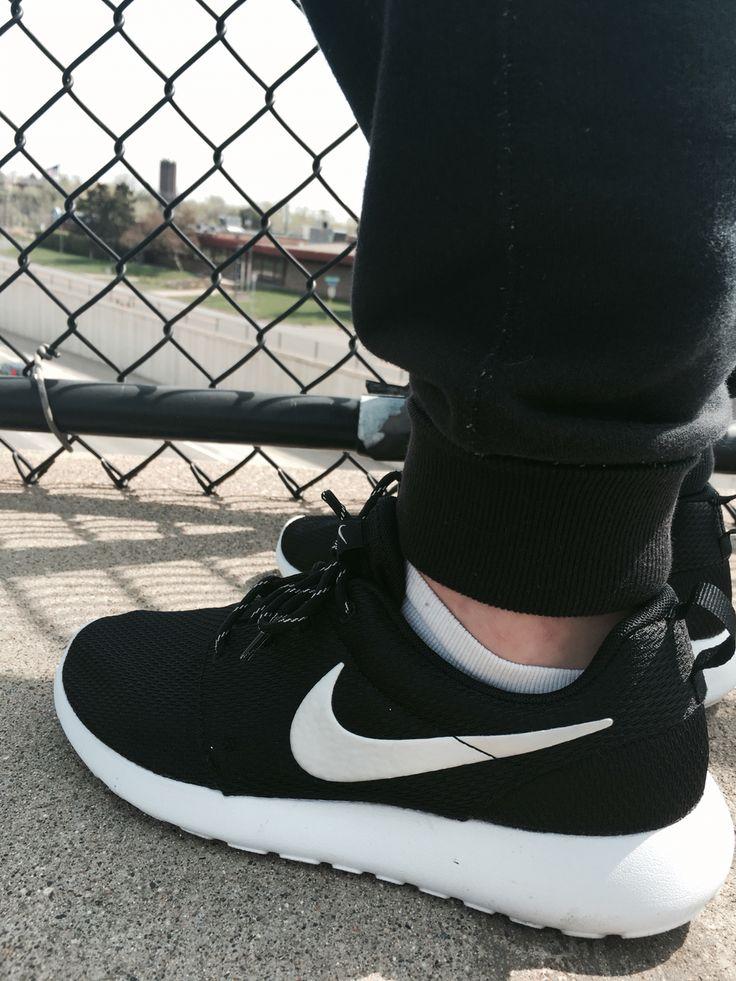 Nike, Roche