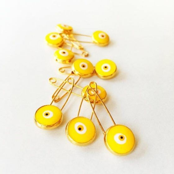 Yellow evil eye safety pin - 5 pcs. $9.00  #yellow#evileye#safetypin#stroller#pin#ojoturco#yellowpin