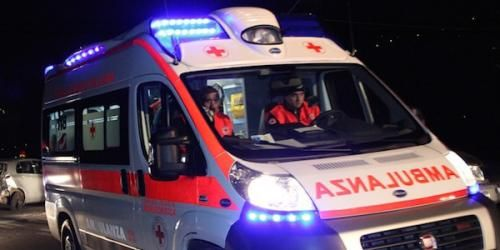 Cronaca: #Palermo #scontro tra una moto e unauto |Muore un uomo originario delle Mauritius (link: http://ift.tt/2bsoDSj )