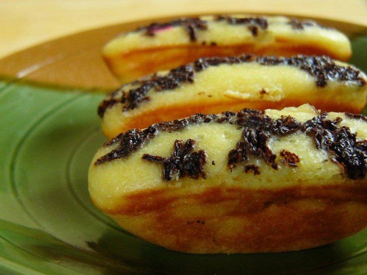 Sore-sore ditambah hujan gerimis kayak gini enaknya makan cemilan kue #Pukis enak banget pasti yah... :D