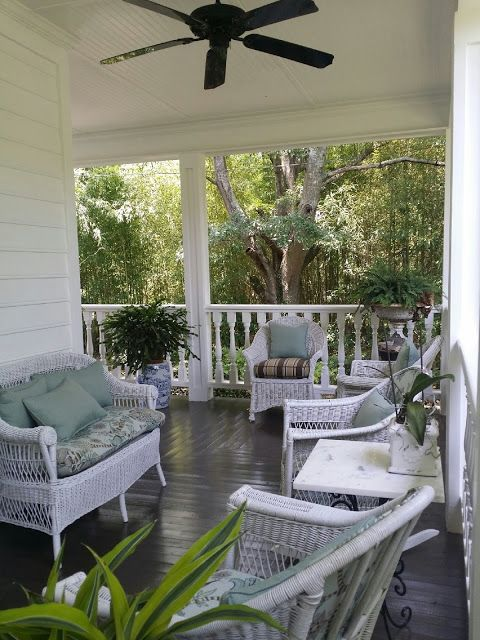 TARA DILLARD: Front Porch Furniture Placement