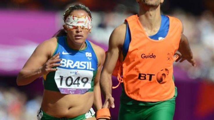 Terezinha Guilhermina levou ouro no atletismo feminino das Paralimpíadas