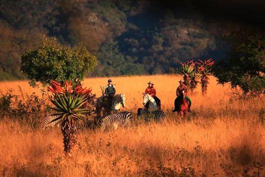 Travel & Adventures: Swaziland. A voyage to Kingdom of Swaziland ( Umbuso weSwatini ), Africa - Mbabane, Manzini, Simunye, Mhlume...