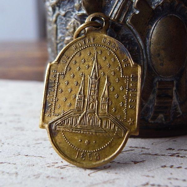 画像: ルルドの聖母の19世紀のメダイ