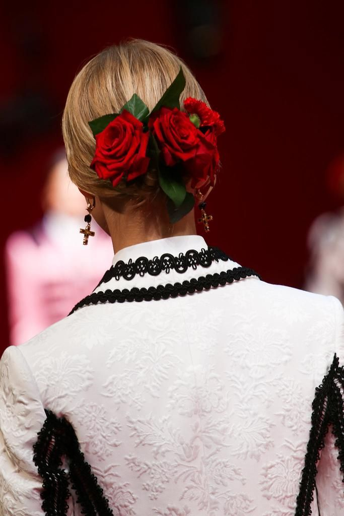 Dolce & Gabbana Spring 2015 Ready-to-Wear - Details - Gallery - Look 2 - Style.com