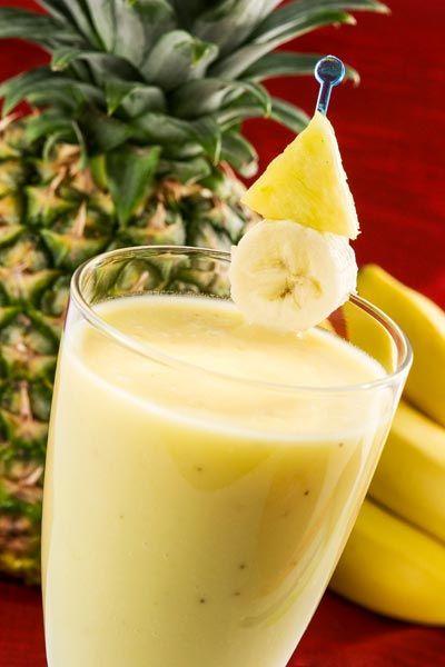 Rezept für einen Buttermilch-Shake mit Banane und Ananas zum Abnehmen - Leckere Buttermilch-Diät-Shakes