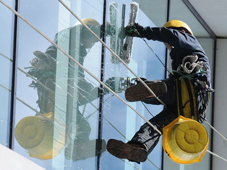 Brisbane window cleaning - Window Wipers is a Professional window cleaners at Brisbane since 1988. Looking for window cleaning service Brisbane? your search ends here!