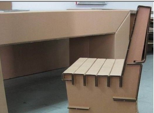 Studio Desk and chair                                                                                                                                                                                 Más
