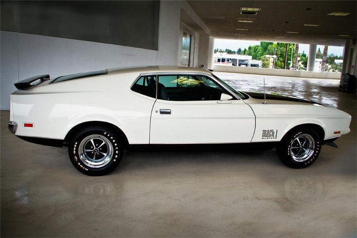1971 FORD MUSTANG MACH 1 My all time favorite muscle car. . .