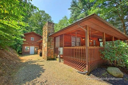 Wildflower Haven at Parkside #Gatlinburg Cabin Rentals Secluded 3 bedroom #cabin, two bedrooms with king beds in main house + two level detached apartment, upstairs bedroom has 2 queen beds, downstairs pool room with pool table, has a hot tub, internet, #pet friendly.