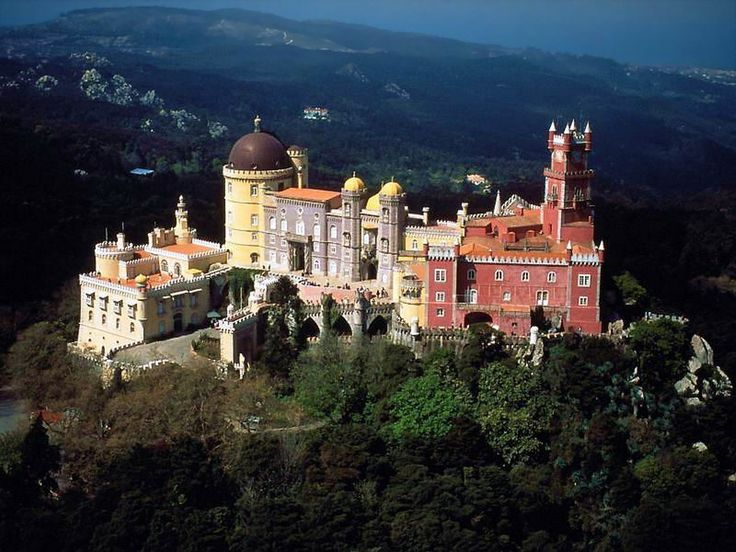 The Palácio da Pena / Pena Palace constitutes one of the major expressions of 19th century Romanticism in the world.  The palace is a UNESCO World Heritage Site and one of the Seven Wonders of Portugal.