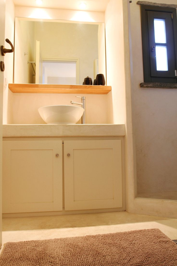 The bathroom with shower-Cycladic Architecture