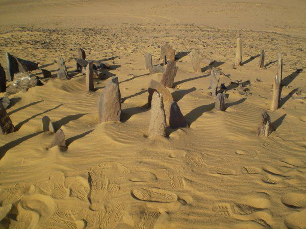10 Civilizations That Disappeared Under Mysterious Circumstances.  Nabta Playa From 7000 and 6500 BCE, an incredible urban community arose in what is today the Egyptian Sahara. The people who lived there domesticated cattle, farmed, created elaborate ceramics, and left behind stone circles that offer evidence that their civilization included astronomers as well.Archaeologists believe the peoples of Nabta Playa were likely the precursor....