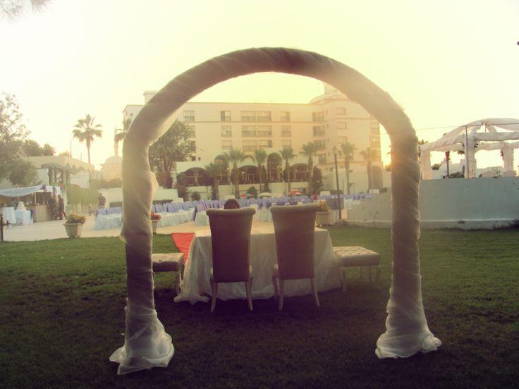Mutluluğunuza Açılan Kapı: Büyük Anadolu Girne'de, Bir Muhteşem Düğün İçin Daha Hazırlıklar Tamam.