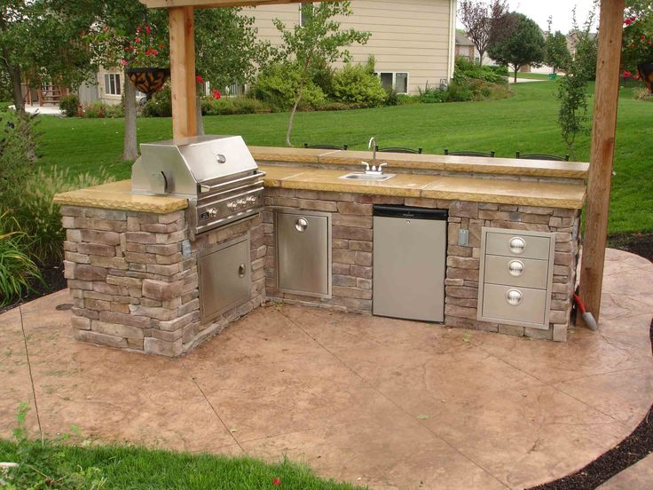 260 best outdoor kitchen design ideas images on pinterest for Small built in kitchen
