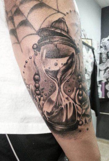 El reloj de arena en tatuajes