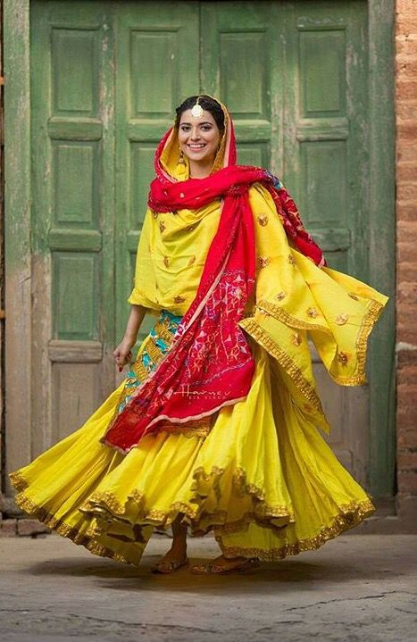 A classy Mehndi Night outfit