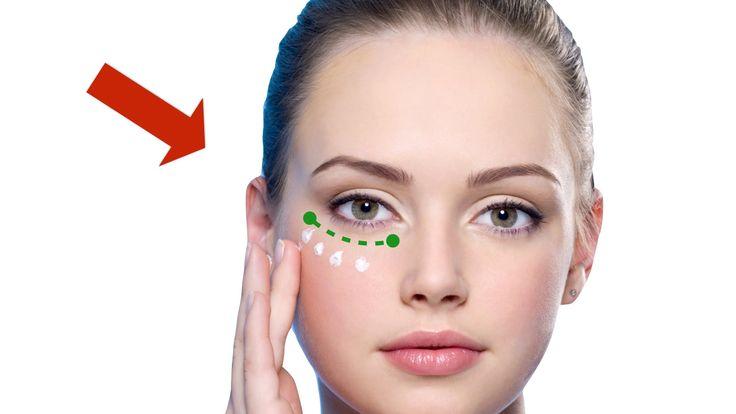 Уход за областью вокруг глаз     Мало кому из девушек известно, что ухаживать за кожей вокруг глаз следует начинать лет с 20, так как с этого возраста кожа начинает стареть.    #натуральная косметика #органическая косметика #herbhouse #красота #косметика