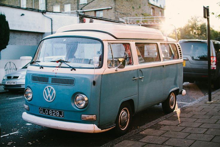 https://flic.kr/p/pbDWR6 | VW Bus T2 | A beautiful bus.  Picture taken in Hackney, East London.  I tried out dual ISO Exposure with Magic Lantern.