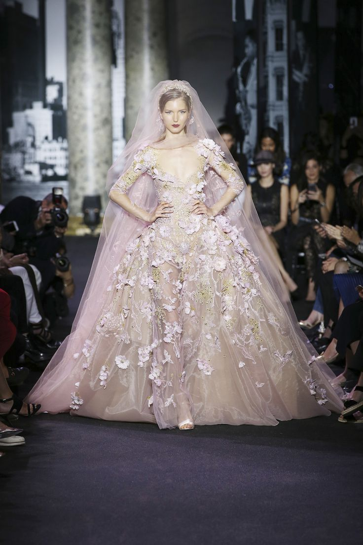 742 best elie saab haute couture images on pinterest for Buy haute couture
