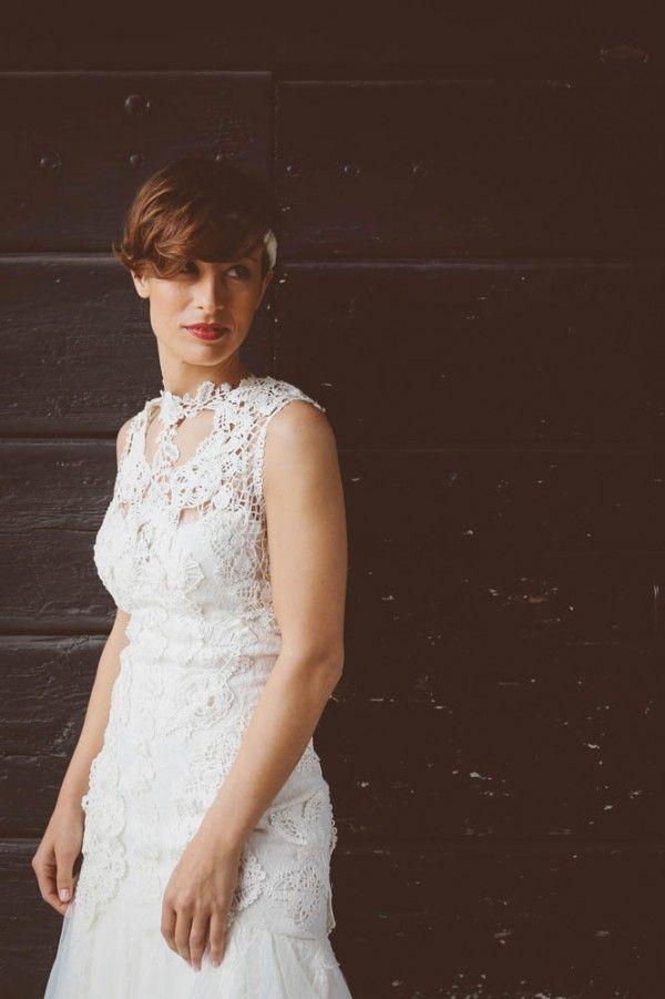 Chic wedding dress by Yolan Cris | Photo by Barbara Zanon