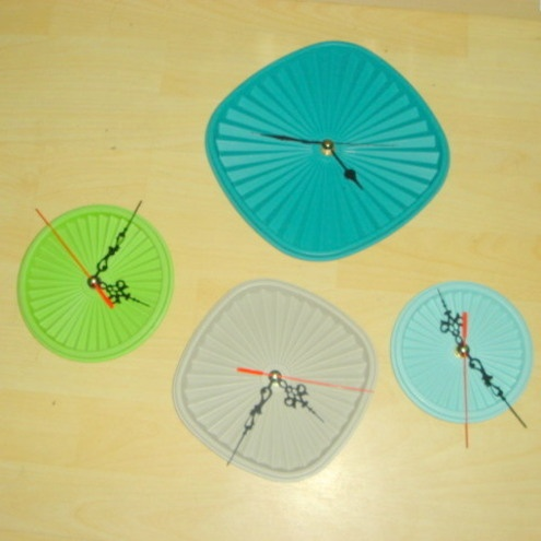 tupperware lid clocks