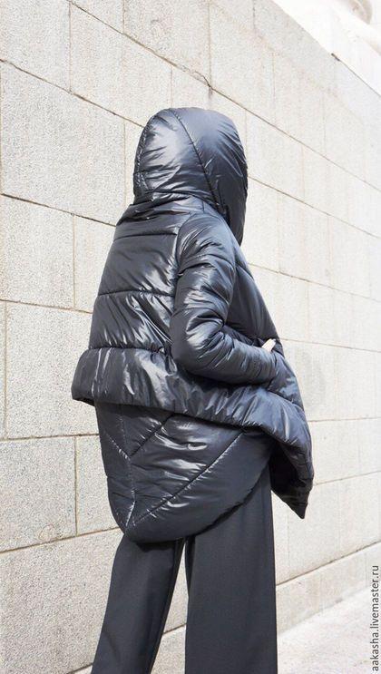 Купить или заказать Куртка Quilted в интернет-магазине на Ярмарке Мастеров. Экстравагантная, стеганая, теплая куртка с асимметричным дизайном на синтепоне. Куртка с капюшоном, боковыми карманами, застежка на пуговице. Верхняя ткань водонепроницаемая и непродуваемая,внутри синтепон, подклад вискоза. Теплая куртка для осени, зимы,весны. В зимнее время куртка примерно до -15 градусов. На фото представлены леггинсы www.livemaster.