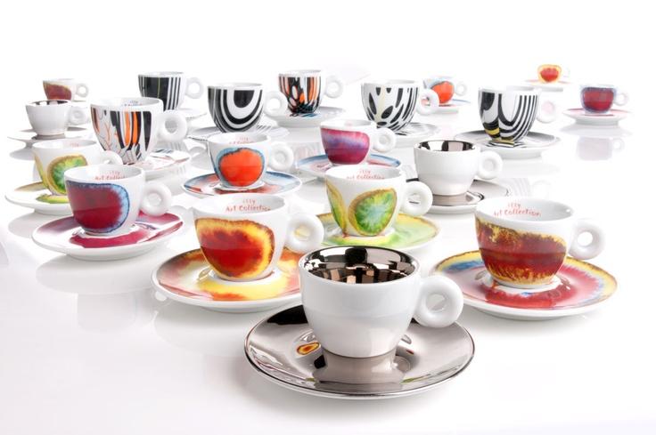 Tazas de diseño de los artistas Anish Kapoor, Francesco Clemente y Tobias Rehberger