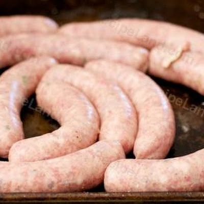 This is a great homemade Bratwurst recipe made with pork. I love these sausages served with red cabbage and mashed potatoes with home made brown gravy.