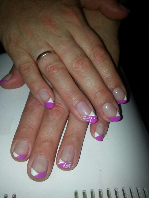 #nailart #violet #white #french #manicure