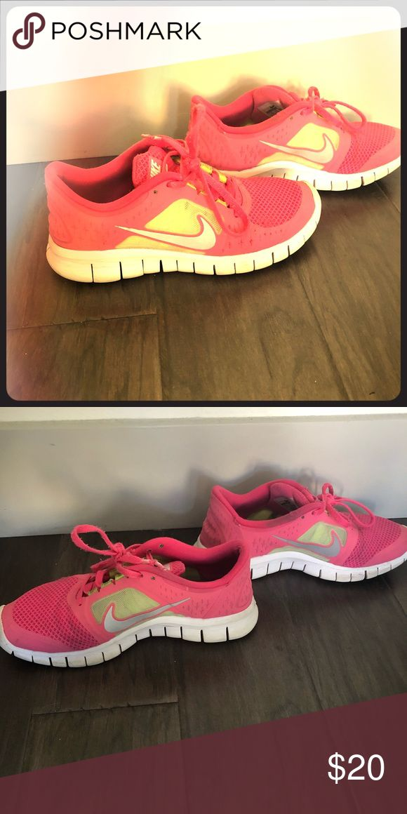 huge discount 02639 44f31 NIKES Nike Free Runs! Shoes Athletic Shoes