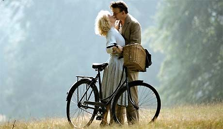 my absolute favorite must be KRØNIKEN (The Chronicle). It's a Danish production, and the setting, music, costumes, filming, directing, acting.. it's all perfect!! / Erik (Ken Vedsegaard) and Ida (Anne Louise Hassing). Foto: DR.
